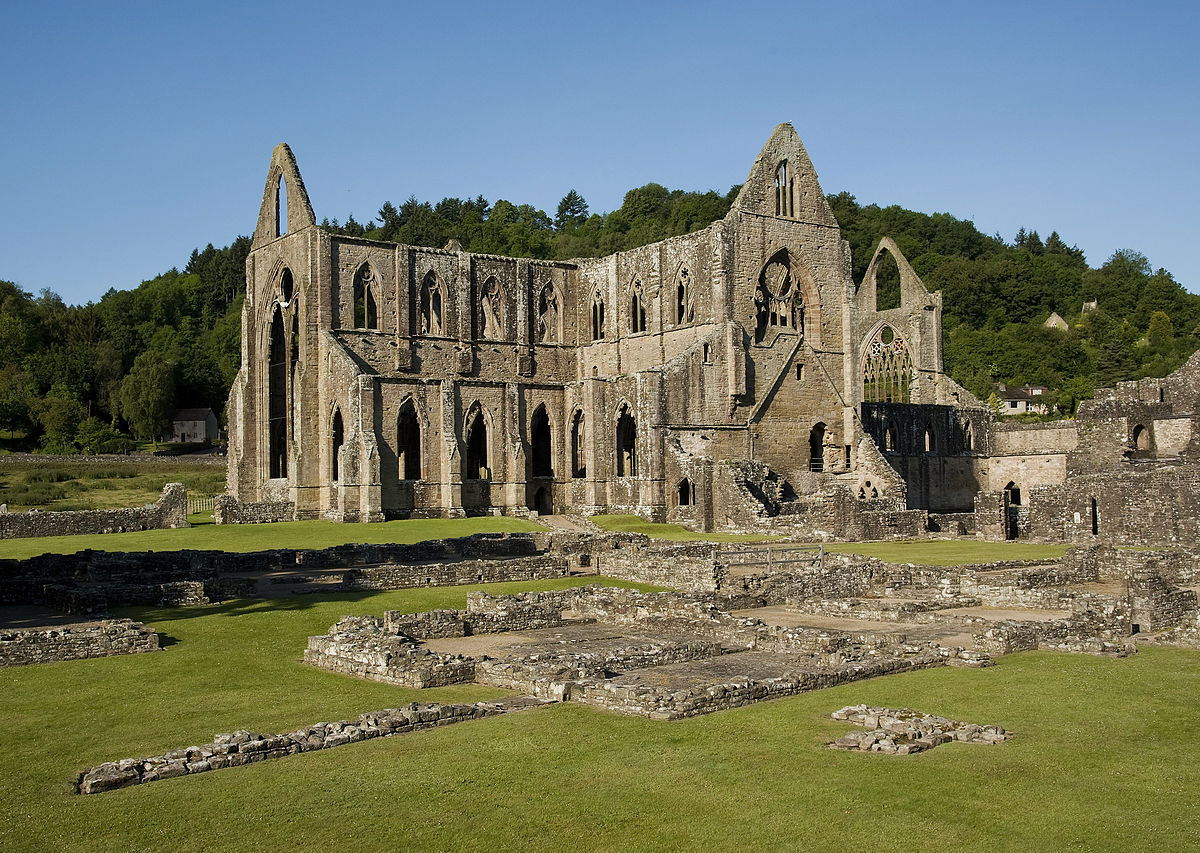 1200px-Tintern_Abbey_and_Courtyard.jpg